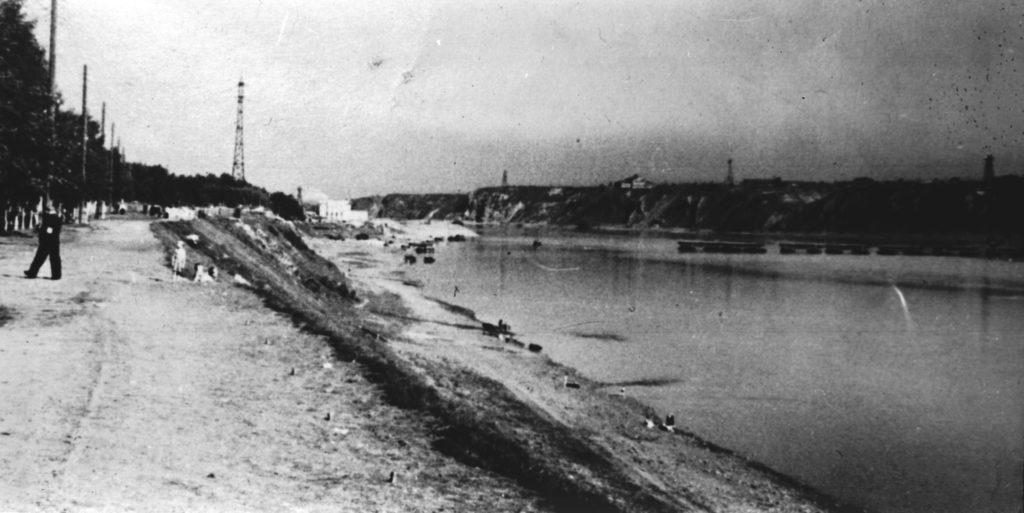 Общий вид набережной р.Томь, 1930-1940 гг.
