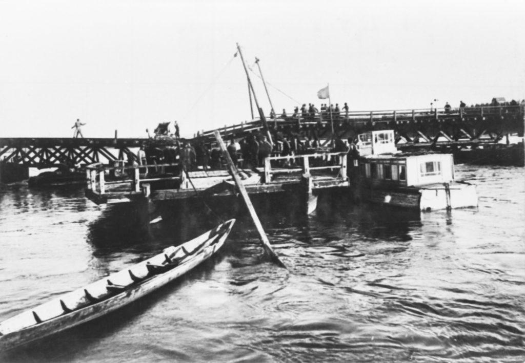 Строительство понтонного моста через р.Томь, 1935 г.