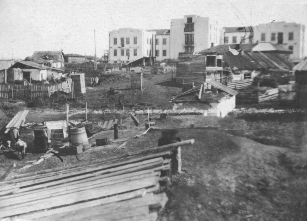 Здание городской больницы на ул.Исполкомовской (сейчас ул.Островского), 1933 г.