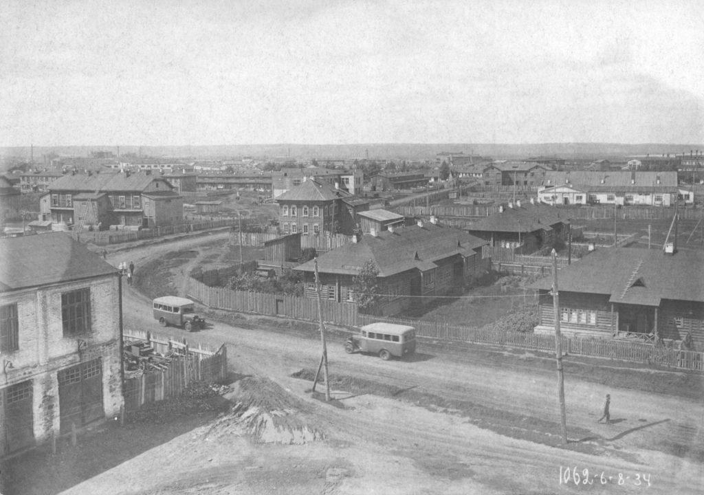 За переездом в районе КХЗ, 1934 г.