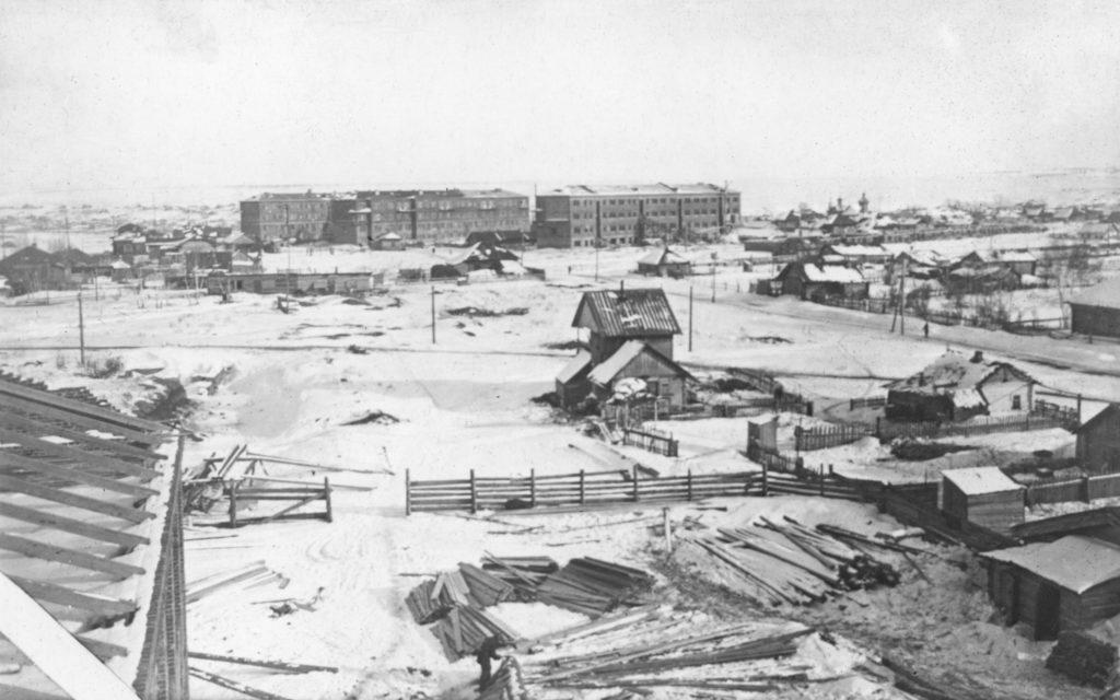 Жилые дома рабочих КХЗ на Притомском участке, середина 1930-х годов.