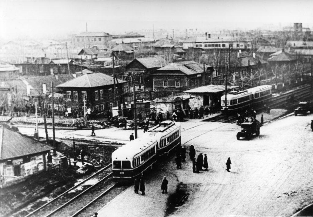 Перекресток улицы Советской (сейчас пр.Советский) и улицы Кирова, 1949 г.