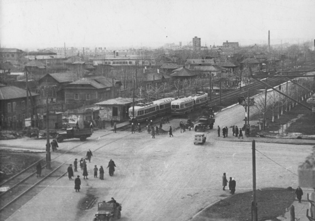 Перекресток улиц Советской (сейчас пр.Советский) и Кирова, 1949 г.