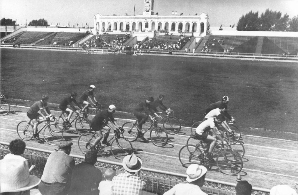 Игровое поле стадиона Химик г. Кемерово, 1950-е годы.