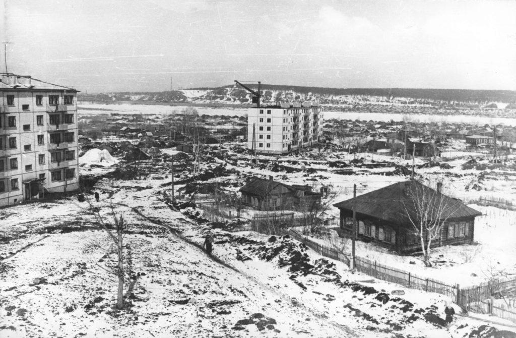 Застройка левобережной части города (сейчас Пионерский бульвар), 1950-е годы.