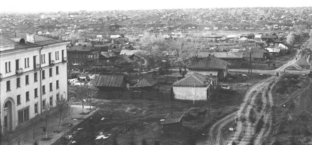 Проспект Советский. Четырехэтажный дом по адресу ул. Кирова, 18, 1958 г.