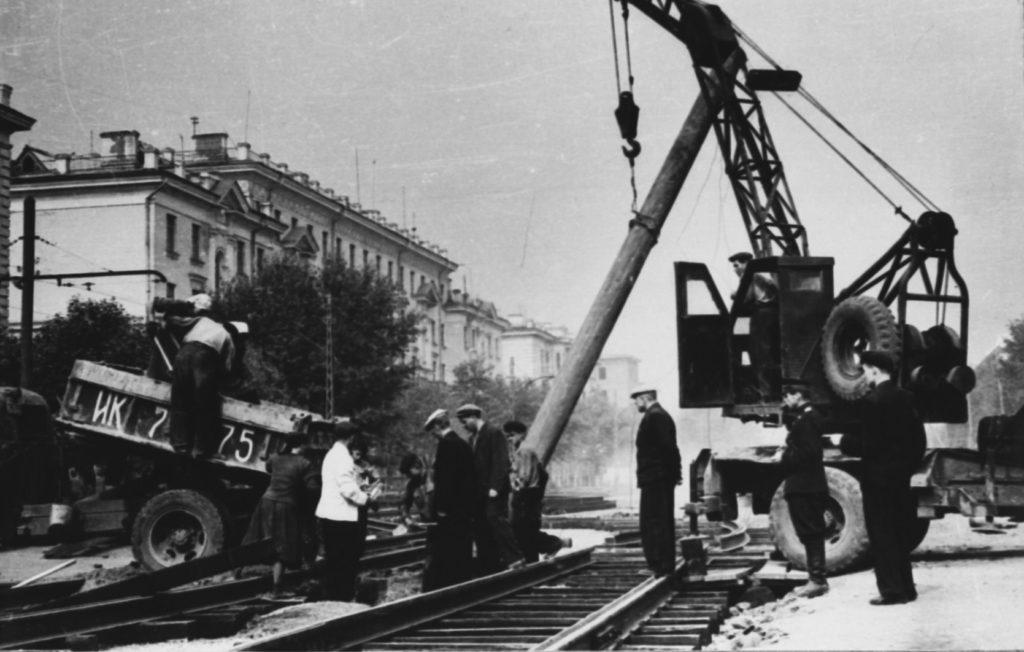 Идет благоустройство Советского проспекта, 1950-е годы.