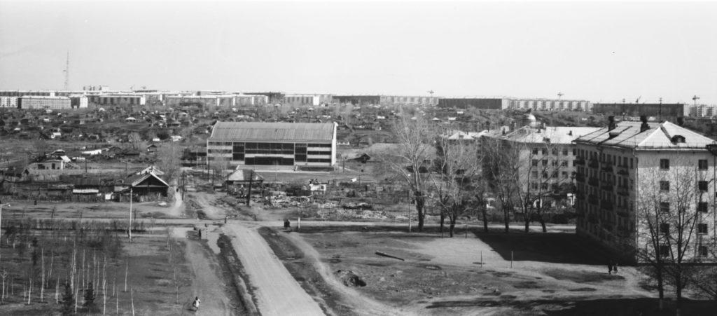 Панорама города (вид на плавательный бассейн), 1968 г.