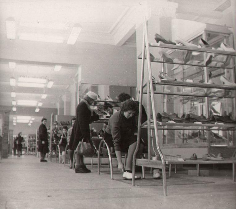 Новый обувной магазин Скороход на пр. Советском, 59, 1967 г.