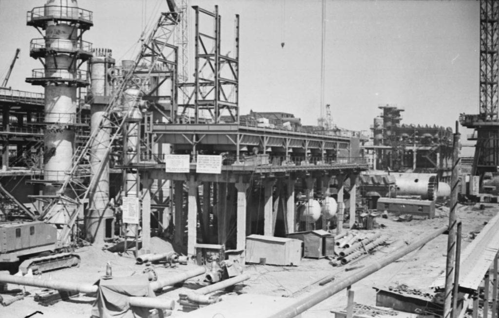 Строительство первой очереди Аммиак-2 Кемеровского производственного объединения Азот, 1976 г.