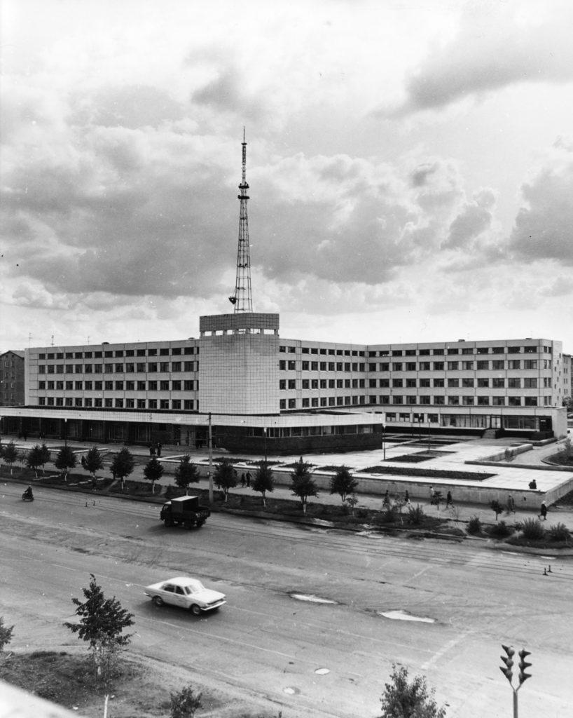 Поликлиника N5 на пр. Ленина, 1970-е годы.