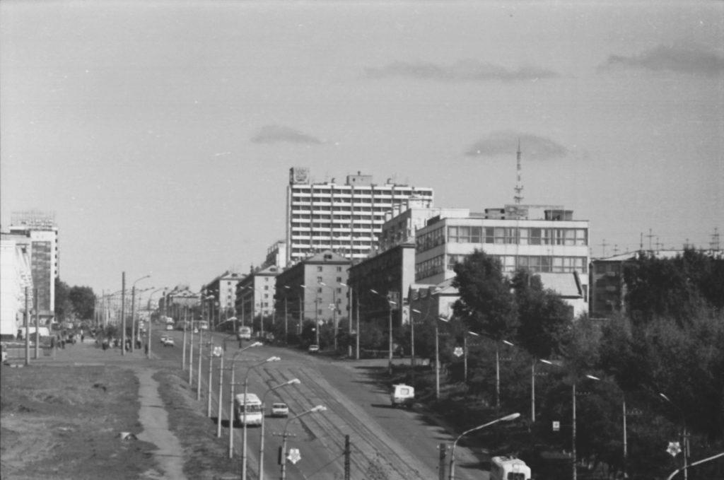 Проспект Ленина в районе цирка, 1977 г.