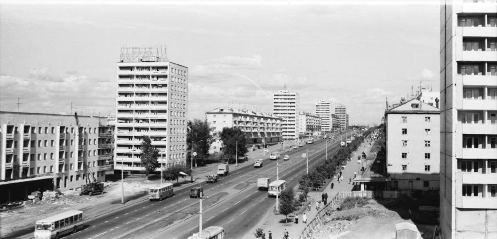 Проспект Ленина в районе остановки Фабричная, 1977-1980 гг.