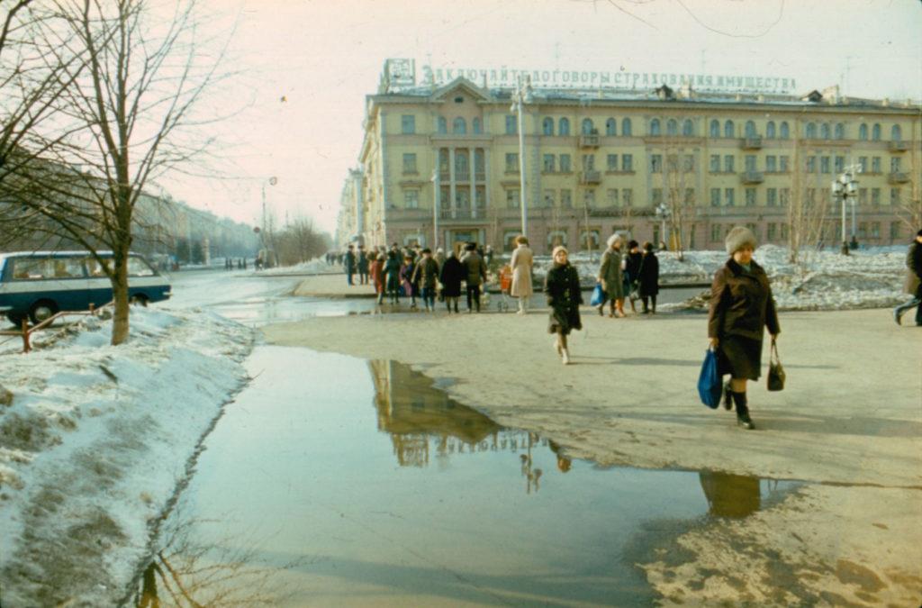 Пересечение пр. Советского и ул. Весенней, 1986 г.