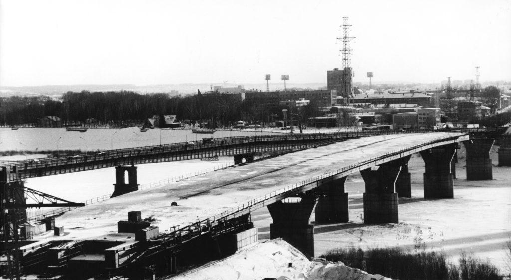 Строительство нового моста через р. Томь, 2004 г.